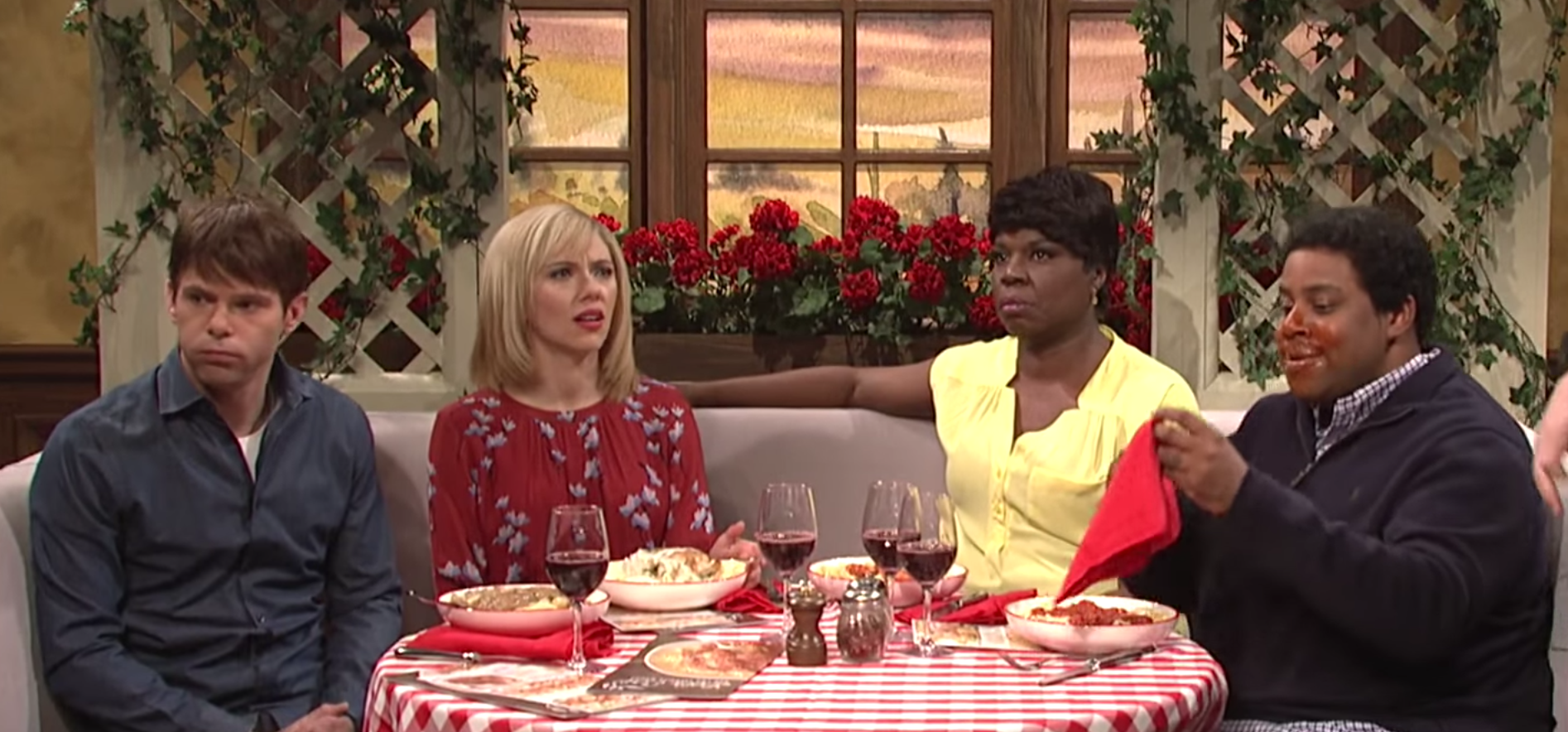 """SNL"" made an Olive Garden commercial that got, way, way too enthusiastic"