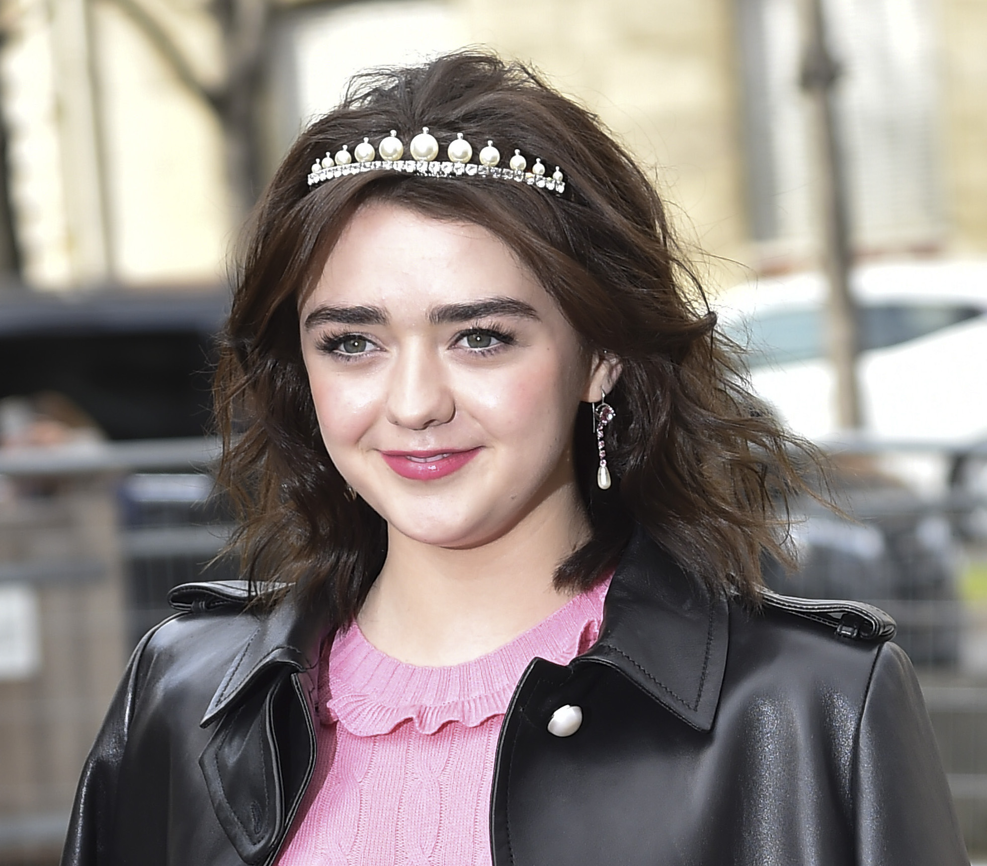Maisie Williams' heart dress is the ideal piece one needs to go from winter to spring