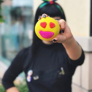 People are using bath bombs as highlighters, which honestly makes total sense