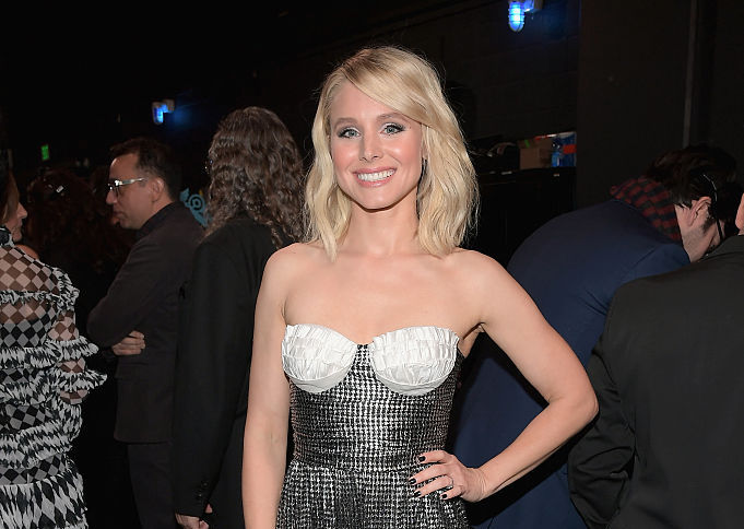 If anyone can pull off slippers, jeans, and a corset — it's Kristen Bell