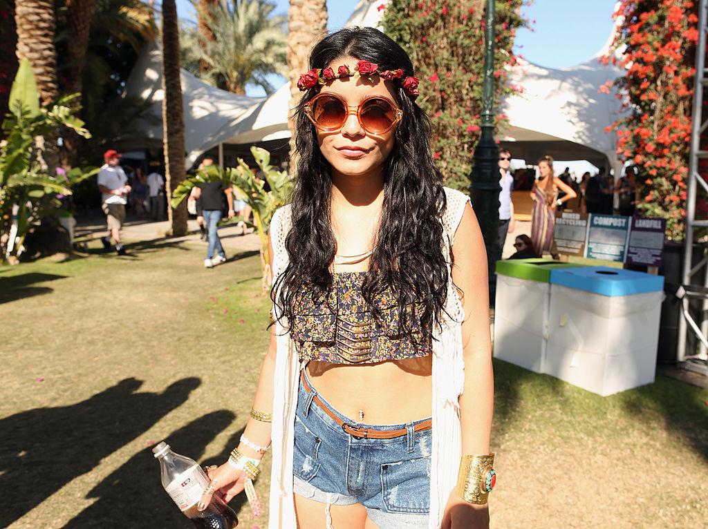 Vanessa Hudgens' long mermaid hair is back, and no, it's not for Coachella