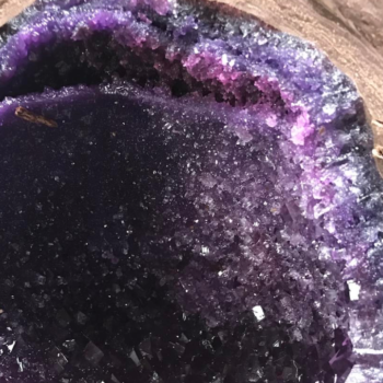 When you crack this giant amethyst open, CHOCOLATE pours out