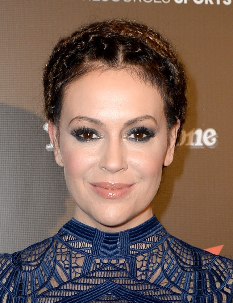 Alyssa Milano will be pageant perfect in this new CW show