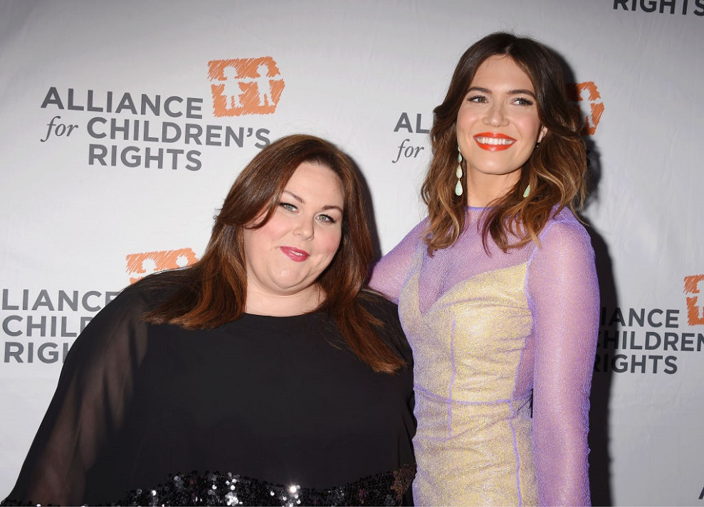 """Here's what Mandy Moore and Chrissy Metz think about a possible mother-daughter duet in """"This Is Us"""""""
