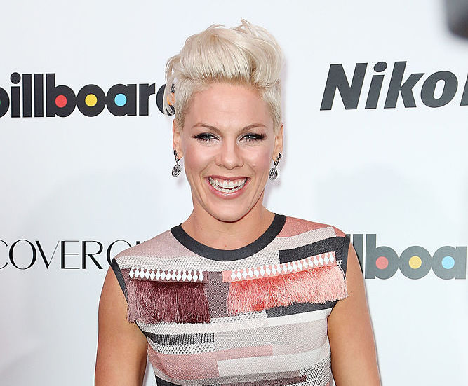 Pink's new hair color is making us nostalgic for her early 2000s look