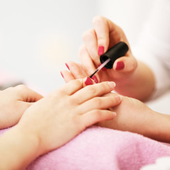 """This nail salon is charging an additional fee for """"overweight"""" people, and we're shaking our heads"""