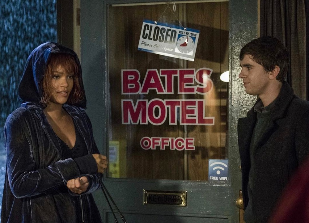 """Rihanna is serving us Stevie Nicks vibes in """"Bates Motel"""" — here's how to copy her witchy lewk"""