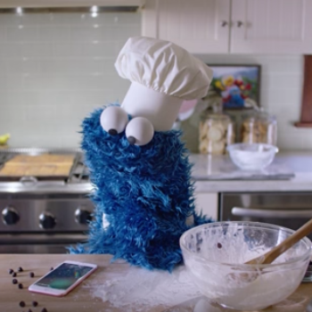 We can't get enough of these Cookie Monster bloopers