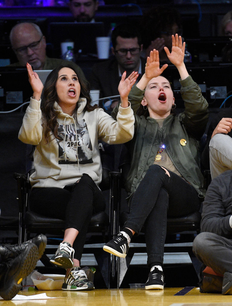 daisy ridley went through whirlwind emotions lakers game luckily have photos