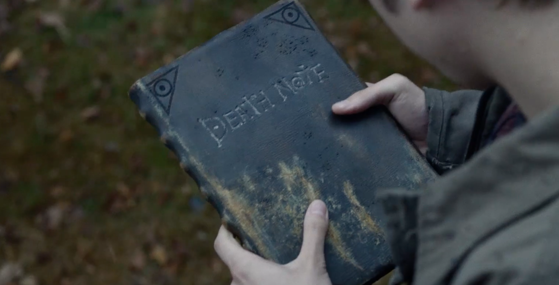 "The trailer for Netflix's ""Death Note"" movie is here and it's a must-watch for horror lovers"