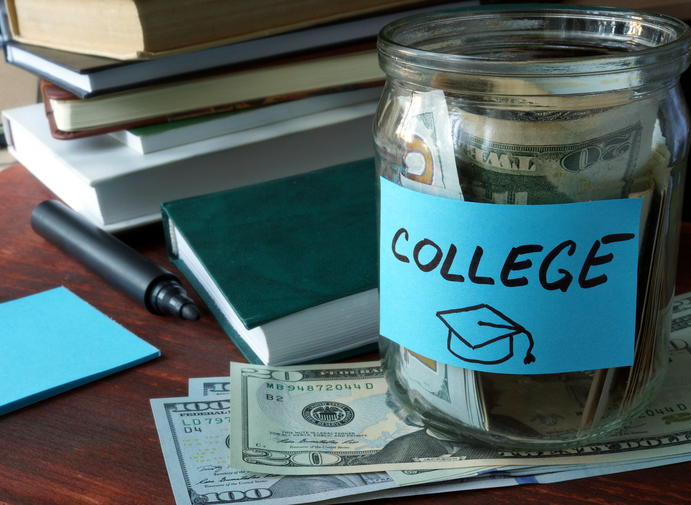 These lawmakers want to make college savings a big employee perk, which is pretty admirable