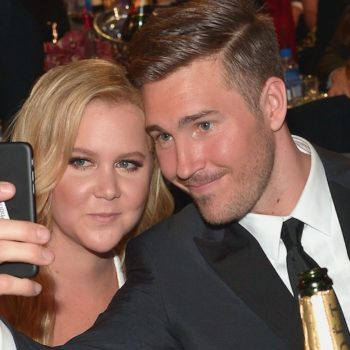 This is what Amy Schumer's BF does when people take pictures of her in restaurants without asking