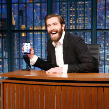 """Jake Gyllenhaal FaceTimed Ryan Reynolds on """"Late Night"""" in the name of bromance"""