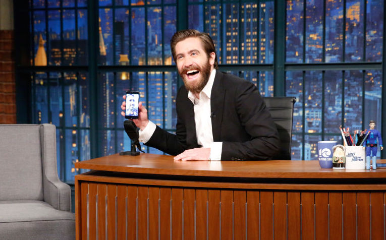 "Jake Gyllenhaal FaceTimed Ryan Reynolds on ""Late Night"" in the name of bromance"