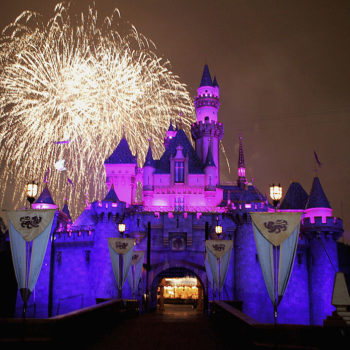 7 times Disneyland is the most crowded