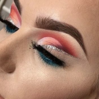 If you need a break from your cat-eye, you'll want to try this floating eyeliner trend taking over Instagram