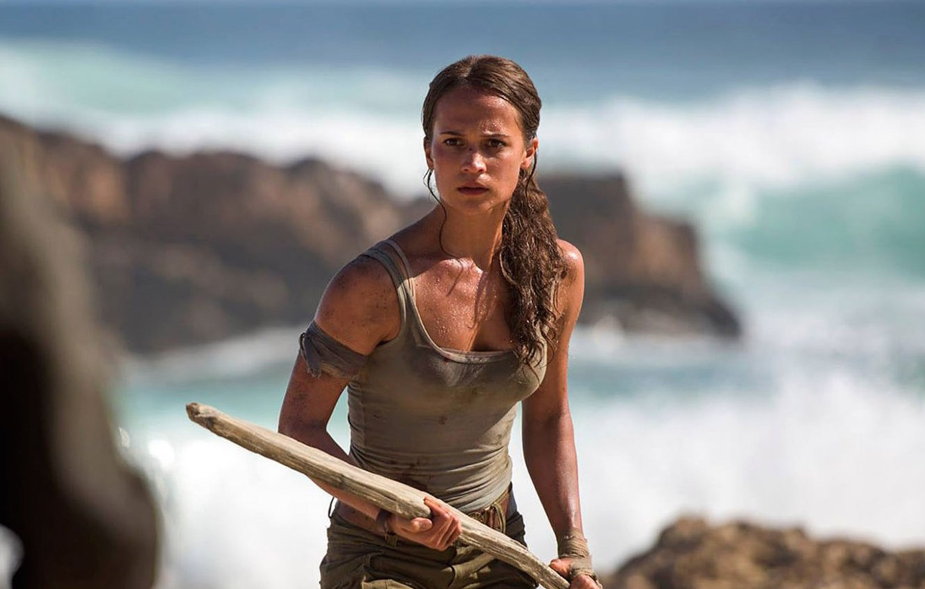 "Alicia Vikander looks hella strong and fierce in the first images for ""Tomb Raider"""