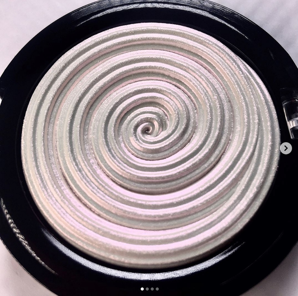 Get your glow on: Laura Geller launched their new Baked Gelato Swirl illuminator