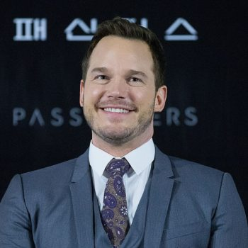 Chris Pratt revealed he likes to flex this one body part in the mirror now that he's in shape, and, we get it