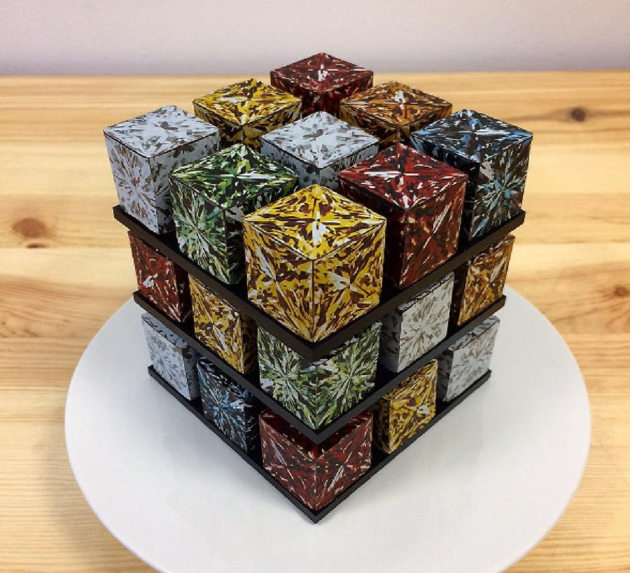 These Rubik's Cube cakes are geometric culinary masterpieces