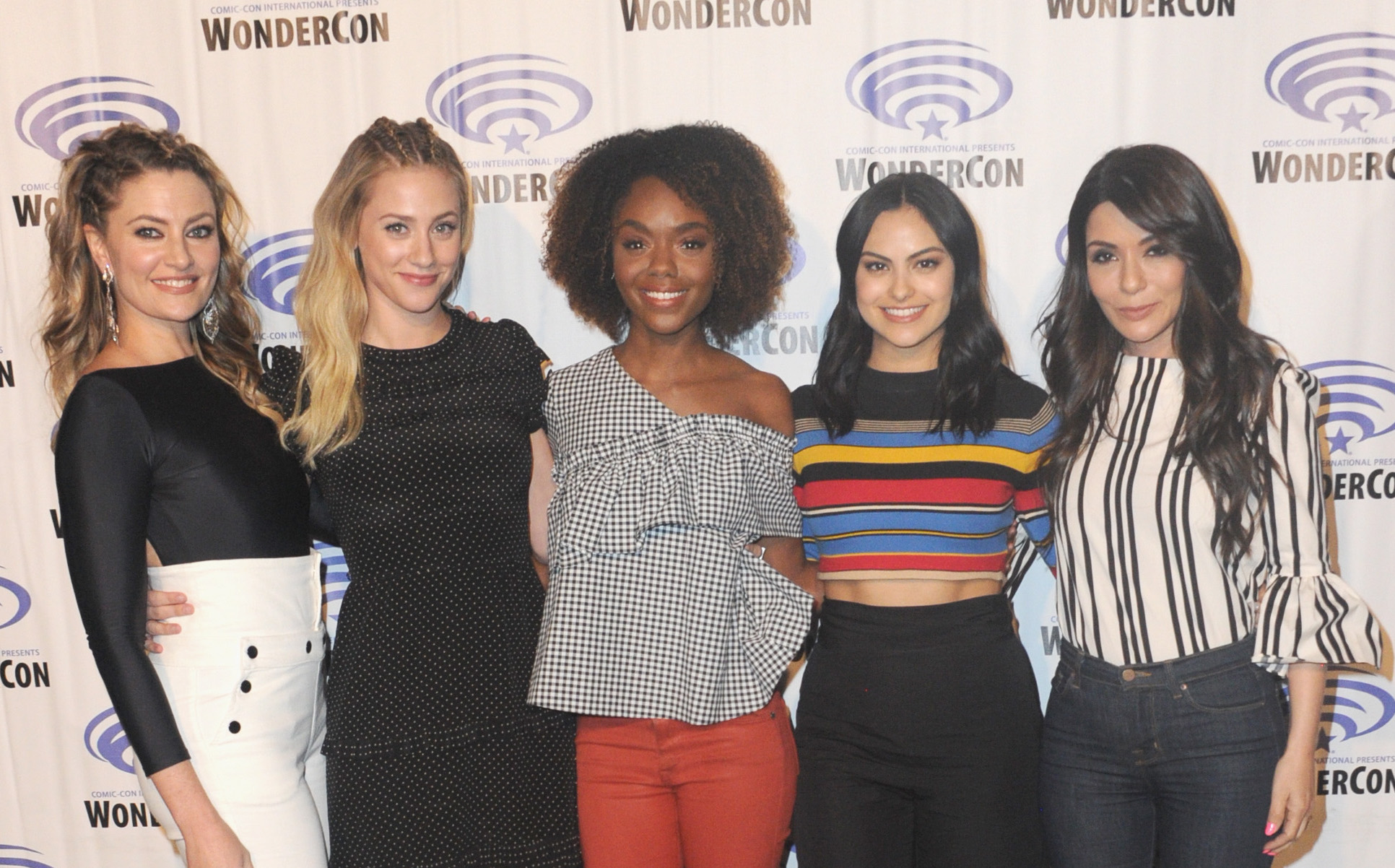 "In ""Riverdale,"" female friendships are basically all #SquadGoals"