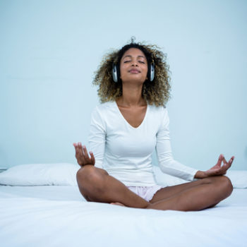 These are the reasons you should meditate before you go to sleep (even if you've never tried it before)