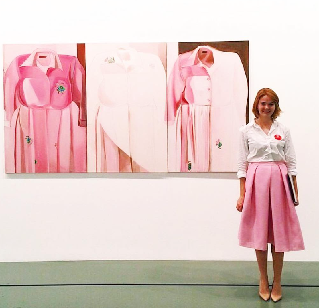 This Instagrammer dresses to match famous works of art, and it's a masterpiece