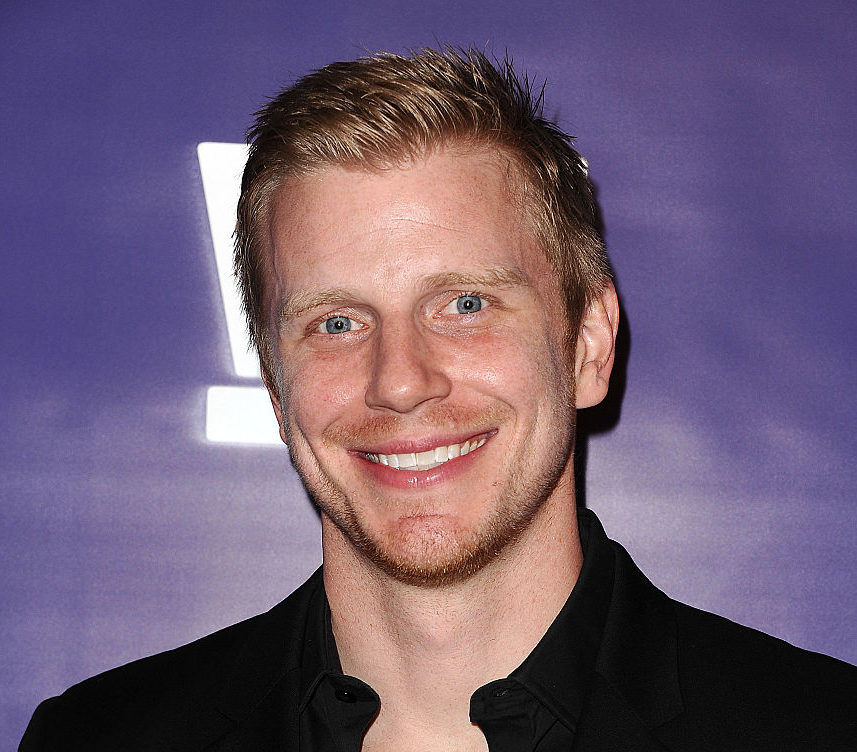 """Bachelor"" star Sean Lowe admits he's picked up an annoying dad habit, but we aren't complaining"