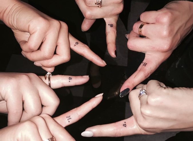 """Here's the adorable story behind the """"Pretty Little Liars"""" stars' matching finger tattoos"""