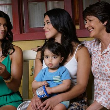 """Gina Rodriguez just shared a """"Jane The Virgin"""" season finale sneak peek, and there's a special guest that might surprise you!"""