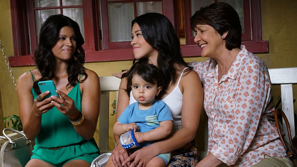 "Gina Rodriguez just shared a ""Jane The Virgin"" season finale sneak peek, and there's a special guest that might surprise you!"