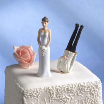 """Divorce cakes"" are a real thing, and they're trending"
