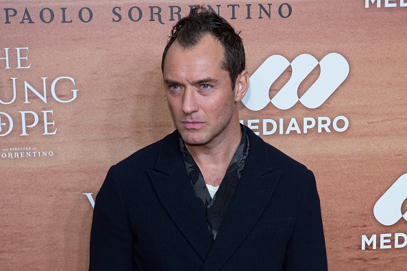 "10 reasons we're absolutely ecstatic to see Jude Law as young Dumbledore in ""Fantastic Beasts"""