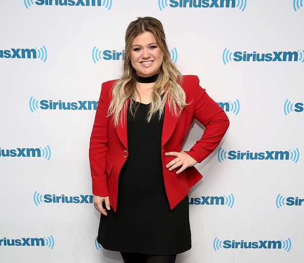 People are really upset Kelly Clarkson fed her daughter Nutella, and um, okay