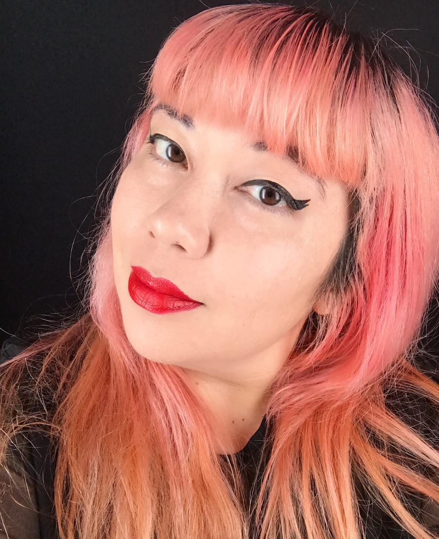 Here's what happened when a self-proclaimed winged eyeliner snob tried the viral eyeliner stamp