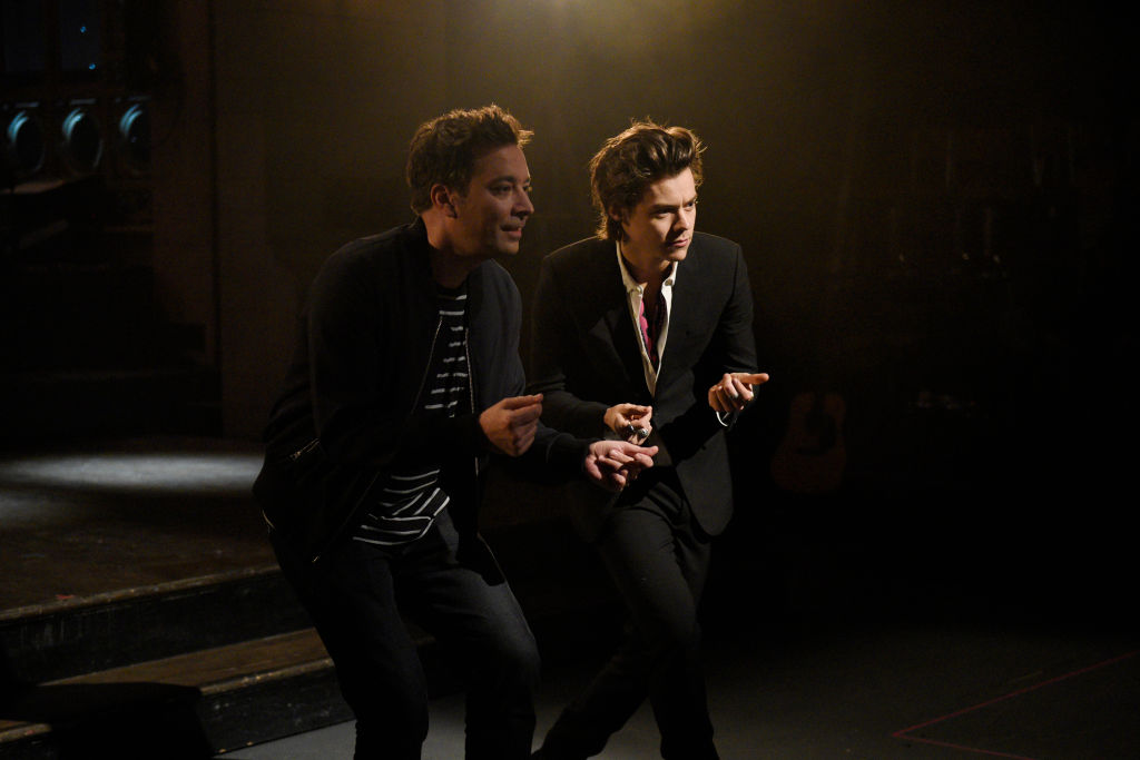 """Jimmy Fallon and Harry Styles opened """"Saturday Night Live"""" with an amazing live Bowie tribute"""