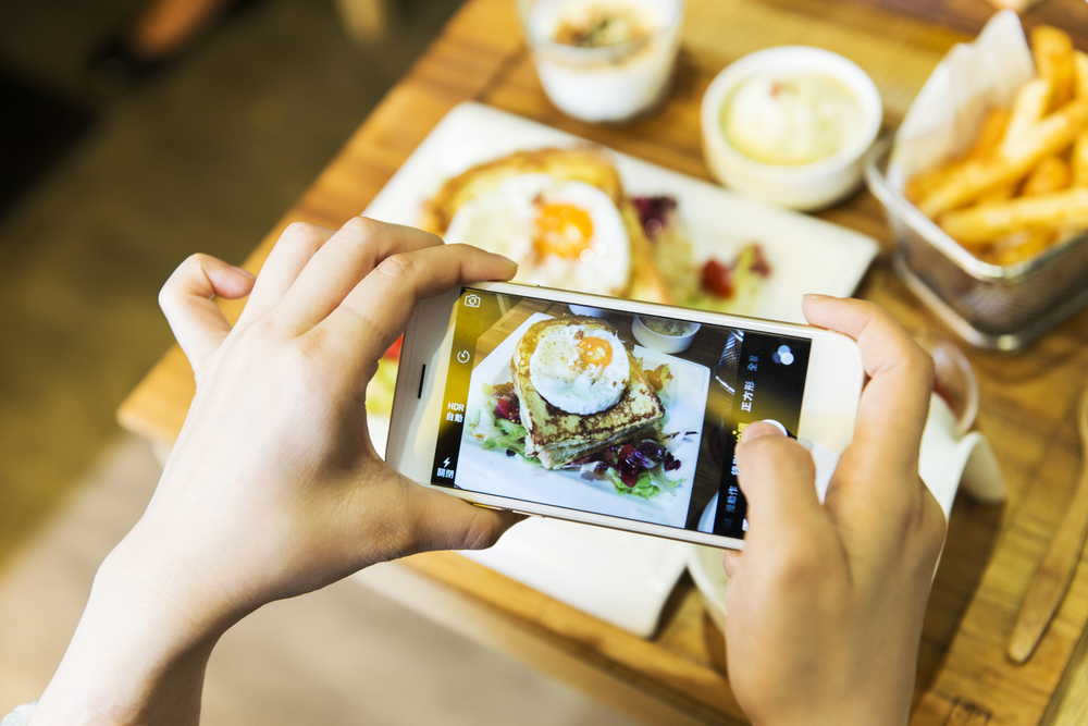 Social media is making us eat poorly, according to experts