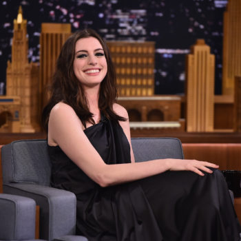 "Anne Hathaway explained how she ""almost killed"" her son on a jungle gym"