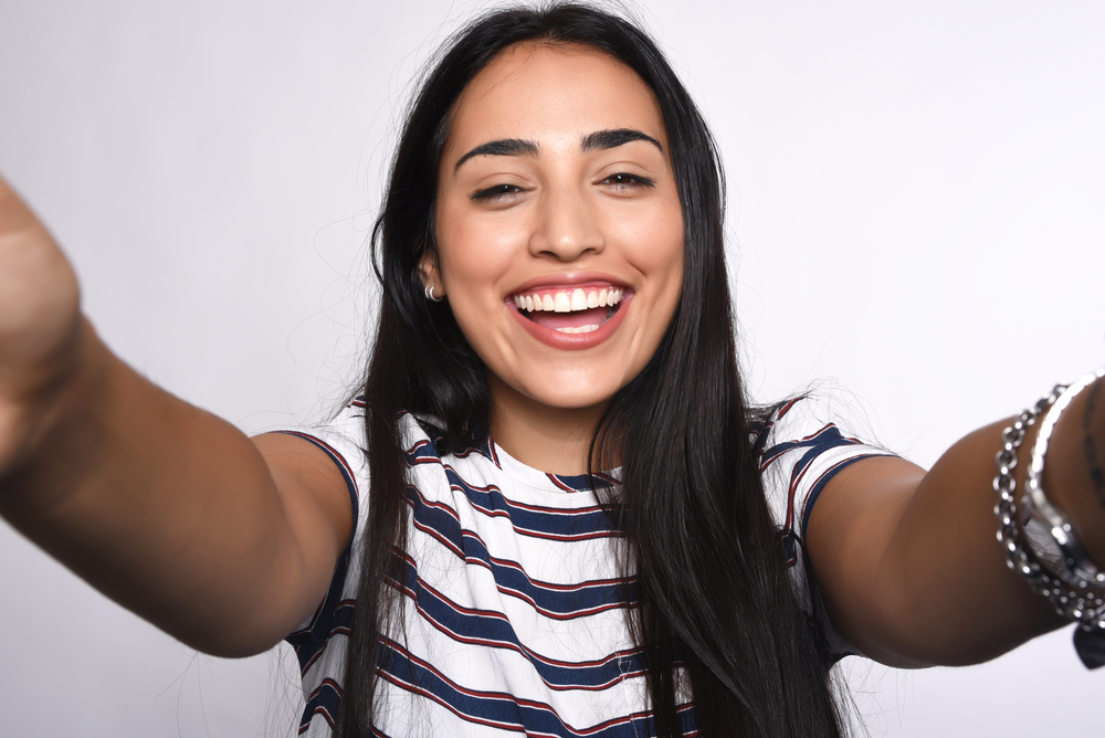 This is the most flattering selfie angle, according to science