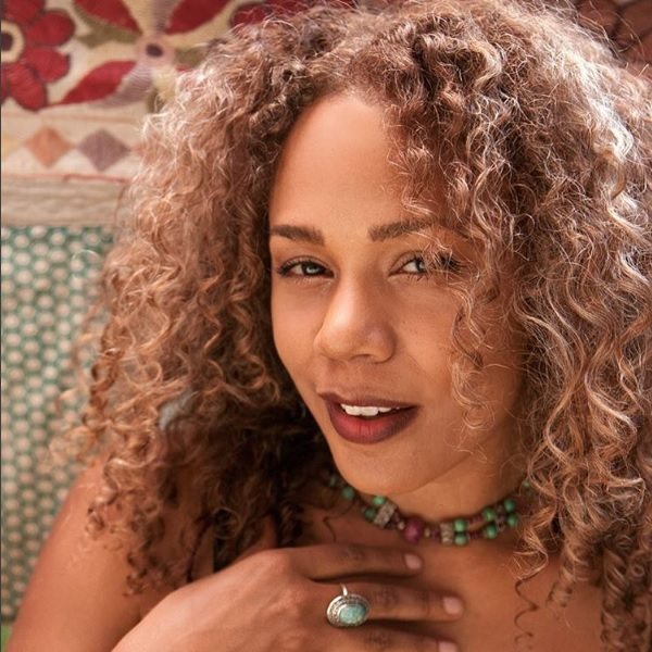"""People are losing it over how gorgeous Rachel True from """"The Craft"""" is, and we mean...duh!"""