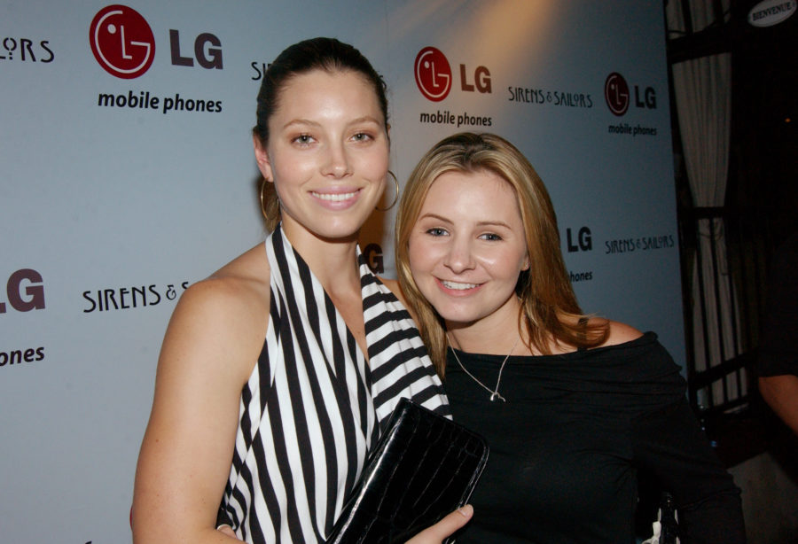 """Jessica Biel's """"7th Heaven"""" throwback pic proves she and Beverley Mitchell were way ahead of the flower crown trend"""