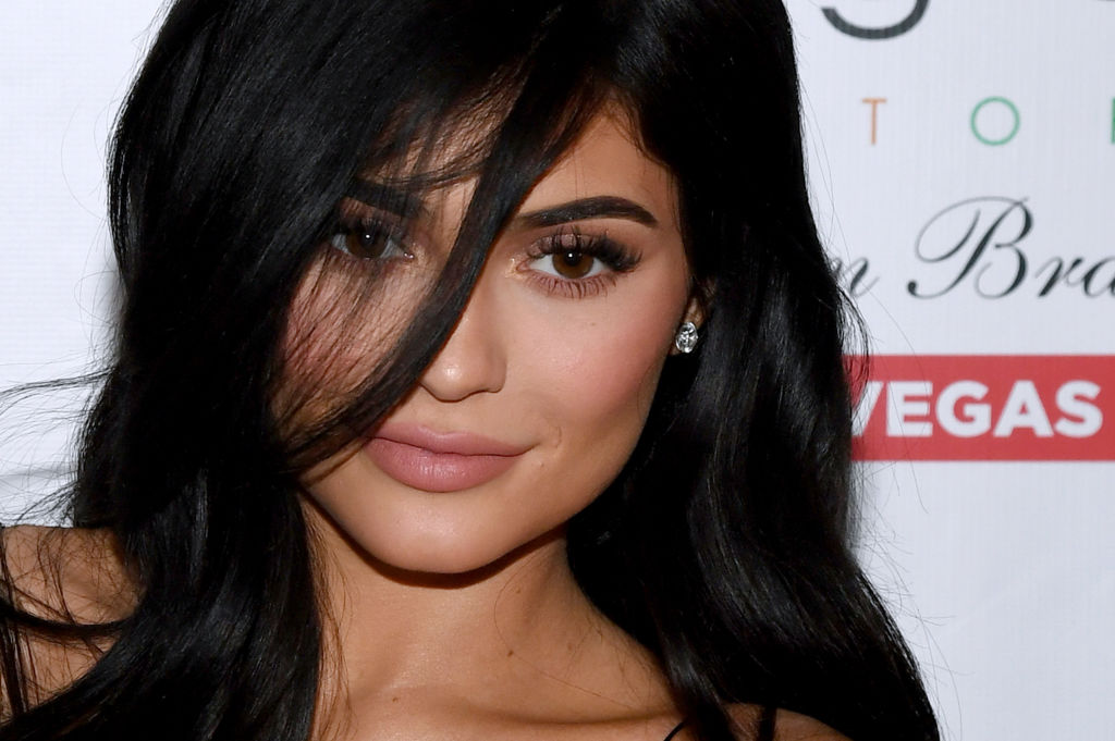 Kylie Jenner gave us new #leggoals in this ultra short striped mini dress