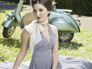 8 super cute ways to wear your gingham on National Picnic Day!