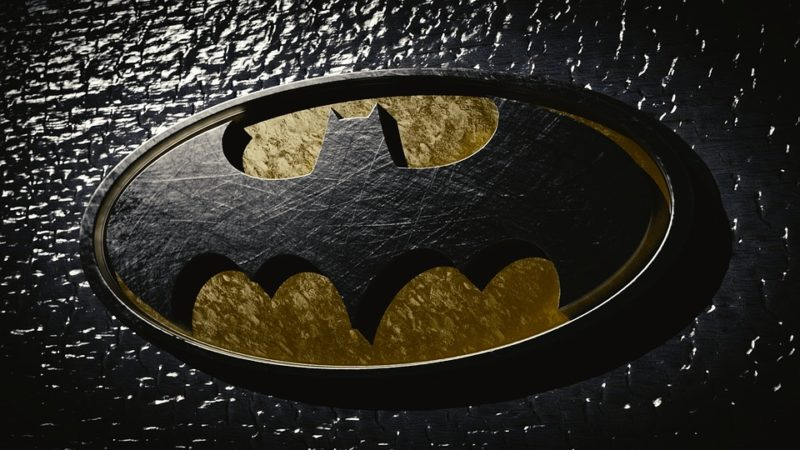 This Batman-themed pregnancy announcement is making our day