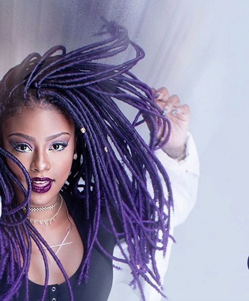 Here's how you can copy Justine Skye's purple faux locs, and it's surprisingly simple