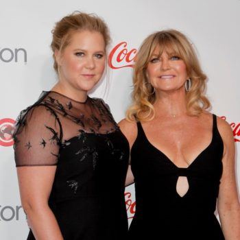 Amy Schumer and Goldie Hawn debate who's more likely to drunk tweet