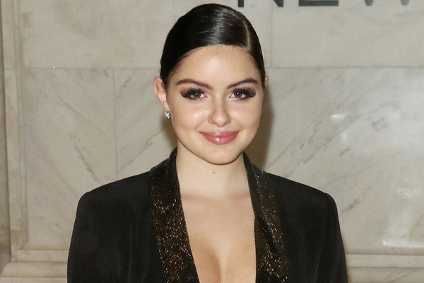 Ariel Winter's suggestion for mean Instagram trolls is the digital equivalent of a ~hair flip~