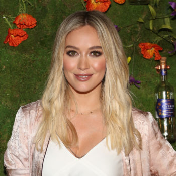 "Hilary Duff's outfit totally transformed her into ""Legally Blonde's"" Elle Woods"