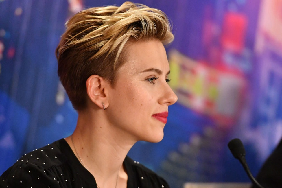 Scarlett Johansson is down to grab drinks with her 72-year-old doppelgänger