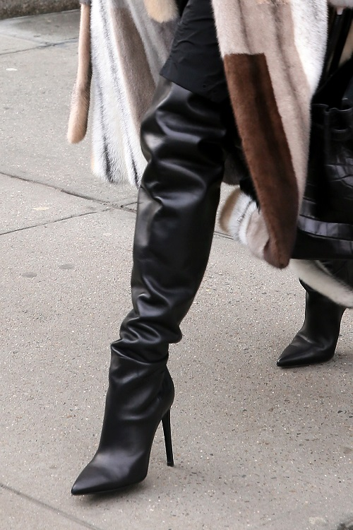 Where Can I Get A Key Made >> Kendall Jenner just blew our minds with waist-high boots